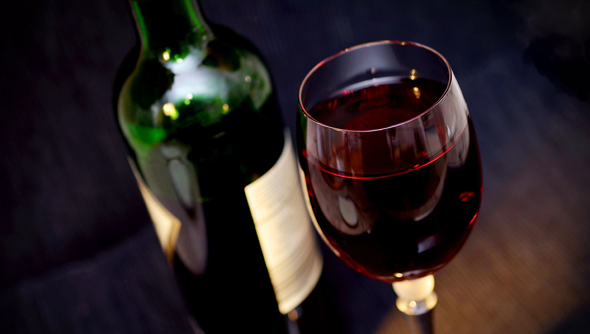 Red wine tasting cruise